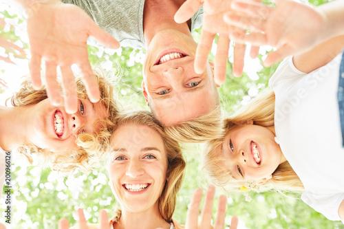 Glückliche Frau als Mutter und Kinder