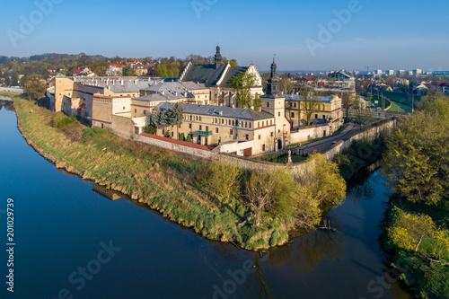 Fotobehang Krakau Krakow, Poland. Norbertine female convent, church, Vistula and Rudawa rivers and far view of Kosciuszko Mound. Aerial photo.