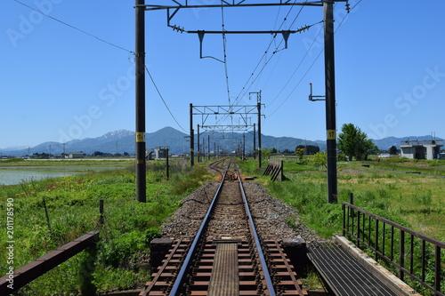In de dag Spoorlijn 羽越本線の線路