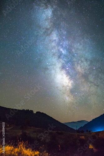 Fototapeta Dağlarda Samanyolu
