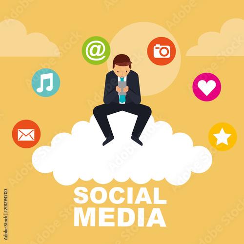 Biznes człowiek za pomocą smartphone siedzi na chmura mediów społecznych wektorowych ilustracji
