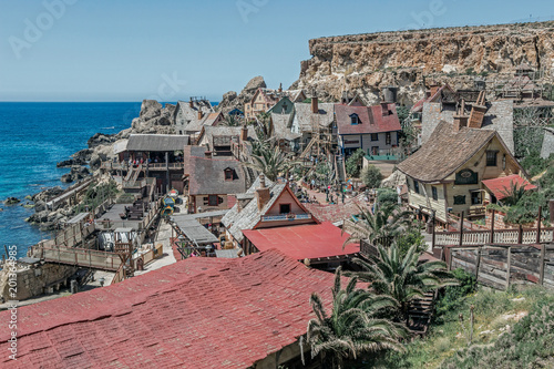 Foto Murales buildings in Popeye Village in malta