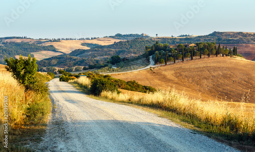 Foto Murales Tuscany sunrise countryside, Italy