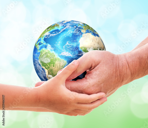 The man gives planet Earth to baby - 201466307
