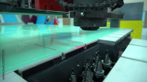 Automatic replacement of the tool