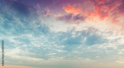 Foto Murales Colorful clouds in morning sky