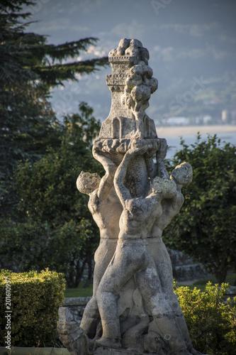 Foto Murales Statua Parco di Vigo