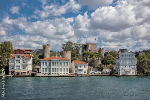 Foto Murales Anadoluhisari (Anatolian Castle) and Asian side of Istanbul, Turkey