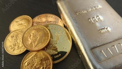 Złote monety / srebrne sztabki