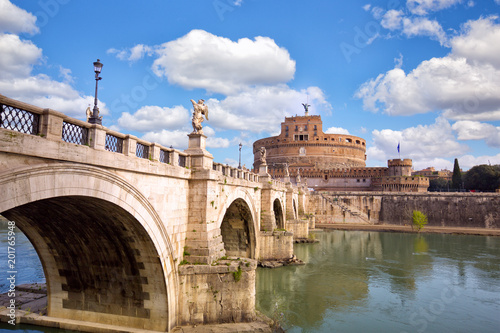 Foto Murales Castle Sant Angelo and bridge across river Tiber in Rome, Italy