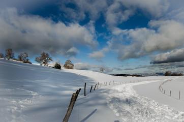 Le Salève, Haute-Savoie sous la neige © Valerie Favre