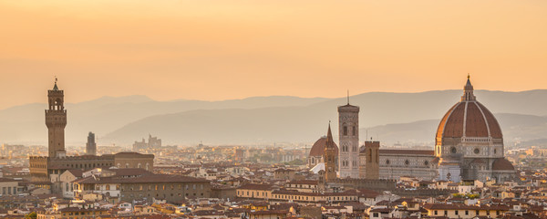 Aerial view of Florence with the Basilica Santa Maria del Fiore (Duomo), Tuscany, Italy © Delphotostock