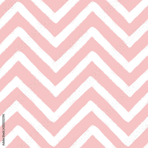 Hand drawn textured zig zag seamless pattern. Vector ilustration. - 202032596