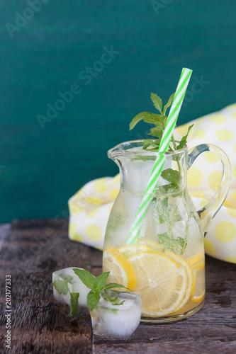 Leinwanddruck Bild Hausgemachte Limonade