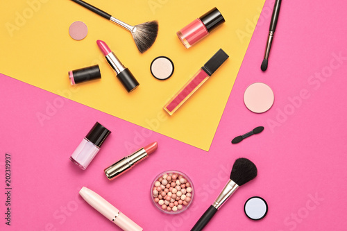 Fashion Cosmetic Makeup Set. Beauty Essentials. - 202319937