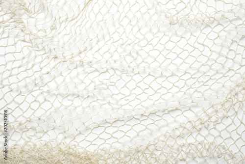 Red de pesca sobre fondo blanco