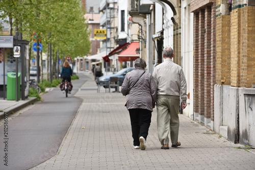 vieux seniors age retraite pension couple