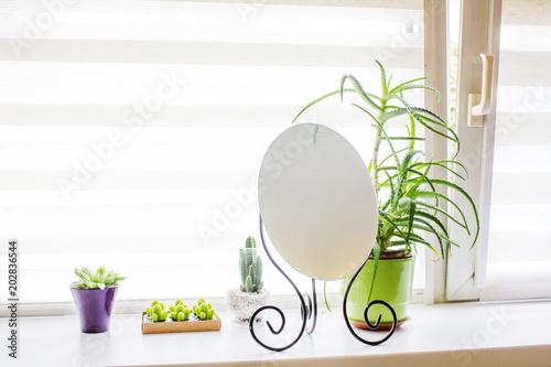 Okno pokoju z dekoracją