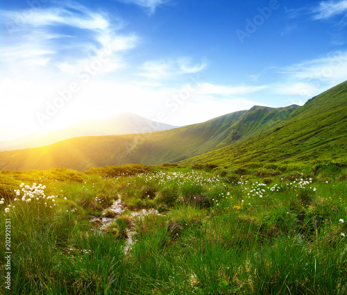 Fotobehang Landschappen Mountain landscape on sun