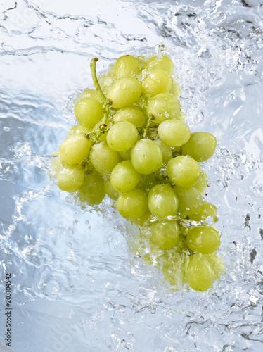 kisc-winogron-umytych-przez-wode