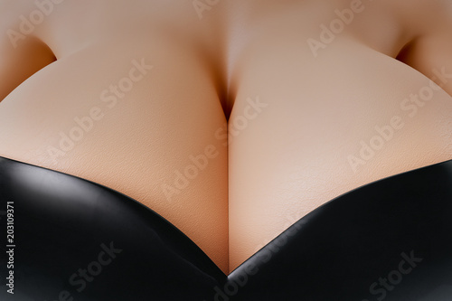 © PixlMakr - Fotolia.com Beautiful cleavage - Woman in leather