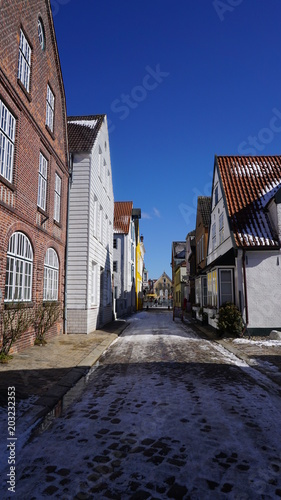 Canvas Smalle straatjes Husum im Winter, Nordfriesland