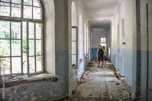 Plexiglas Oude verlaten gebouwen old abandoned building inside
