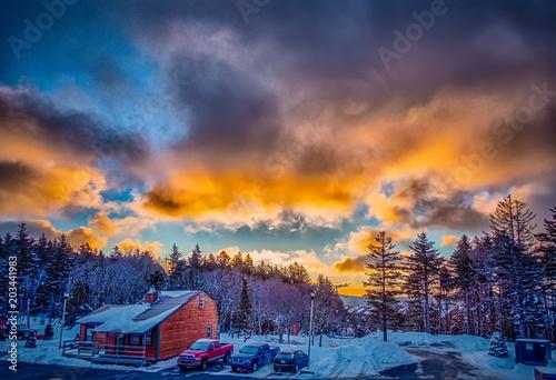 Aluminium Zonsopgang beautiful sunrise over horizon on snowshoe mountain west virginia