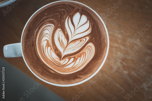 Canvas Chocolade hot chocolate with latte art