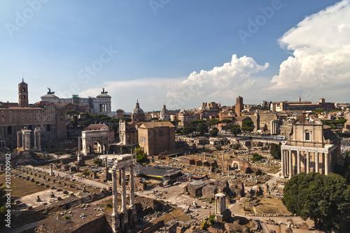 Letni wieczór. Forum. Rzym