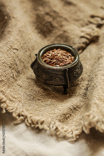 Canvas Koffiebonen flax seeds (superfood) - healthy food (dietary supplement). Food background