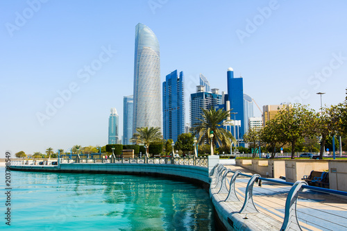 Plexiglas Abu Dhabi Modern buildings of downtown Abu Dhabi view from the walking area by the seaside