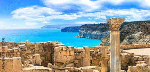 Fotobehang Freesurf Ancient temples and turquoise sea of Cyprus island