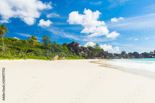 Aluminium Fyle Grand Anse beach