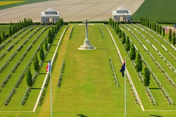 cimetière australien de Villers bretonneux dans la somme,  avec son mémorial à la mémoire des hommes tombés lors de la 1ere guerre mondiale