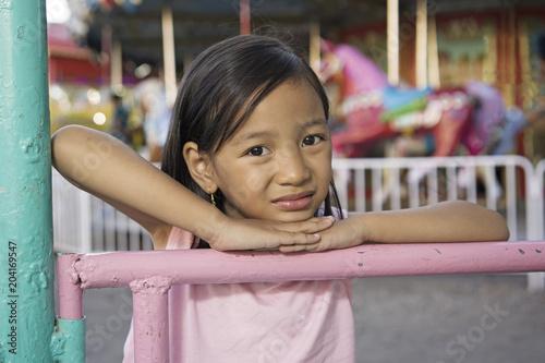 Fotobehang Amusementspark Lonely Girl At The Park