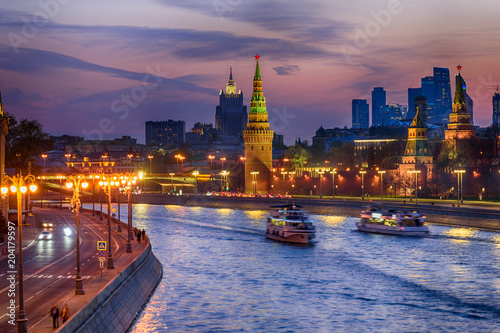 Plexiglas Moskou Sunset view of Moscow Kremlin and Moscow river. Architecture and landmarks of Moscow, Russia