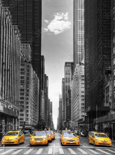 Żłóte taksówki w Nowym Jorku. USA