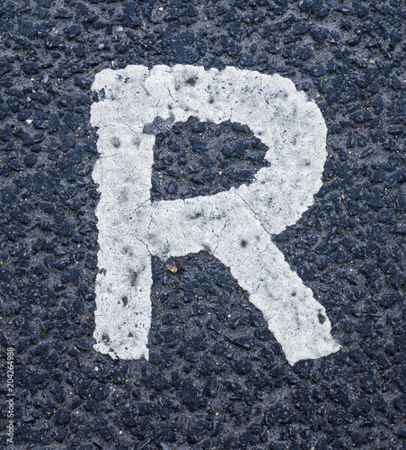 Foto Murales Written Wording in Distressed State Typography Found Letter R