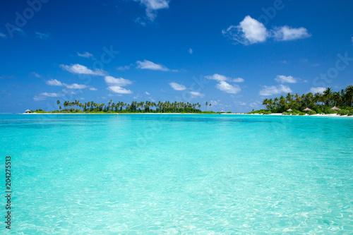 Plexiglas Turkoois tropical Maldives island with white sandy beach and sea