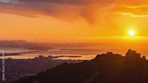 Fridge magnet 4K Timelapse Sequence of San Francisco, USA - San Francisco s bay during the sunrise
