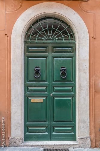 zielone drzwi Rzym Włochy