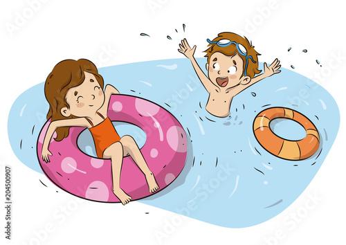 Niños en la piscina en verano con flotadores