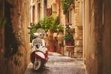 Przytulna ulica starego Rabatu na Malcie