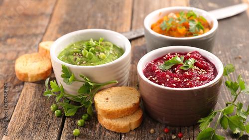 hummus dip bowl - 204538984