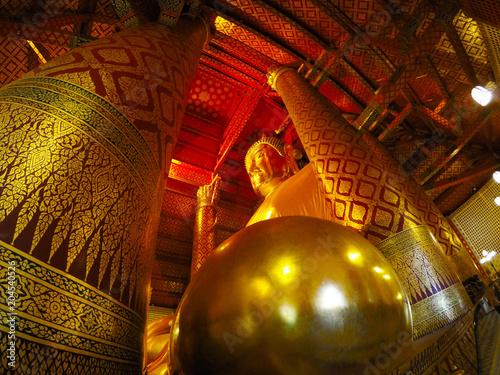 Plexiglas Boeddha Wat Phanan Choeng in Ayutthaya, Thailand