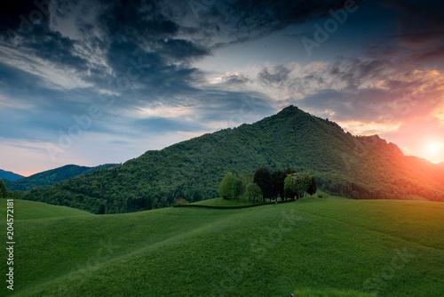Fotobehang Blauwe jeans hill in the spring