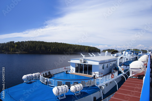 Fotobehang Pier Panorama of Lake Ladoga and the island of Valaam from the passenger ship at the pier
