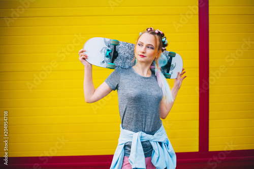 Plexiglas Skateboard Young woman portrait.