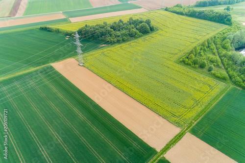Plexiglas Pistache Stromtrasse in der Landschaft